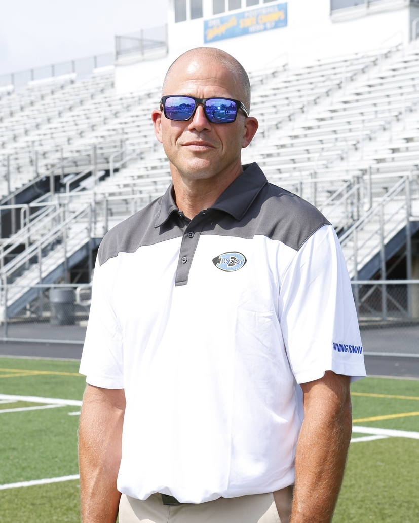 THOMAS KLINE    Defensive Line   Education: B.S. Health/Physical Ed.,   West Chester University; 1996   M.Ed., Neumann University; 2001  Experience: 1996-2000: Assistant Coach, Great Valley H.S., 2000: Assistant Coach, Lower Merion H.S., 2001-2003: Assistant Coach, West Chester East H.S., 2003-2006: Assistant Coach, Lower Merion H.S., 2006-2008: Assistant Coach, West Chester Rustin H.S., 2008-2011: Assistant Coach, Springfield-Delco H.S., 2011-2014: Head Football Coach, Springfield-Delco H.S.  Family: Wife: Dara   Children: Brady and Chase   Resides in West Bradford.
