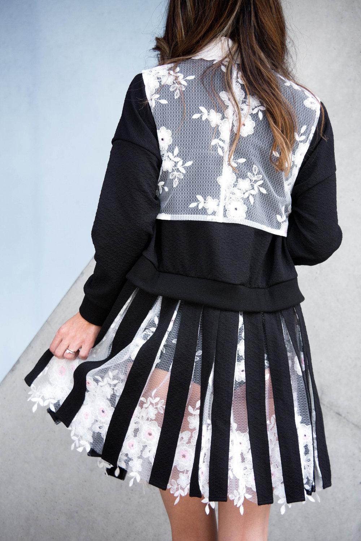 saku New York Pleated Skirt Linked with Sweatshirt Black
