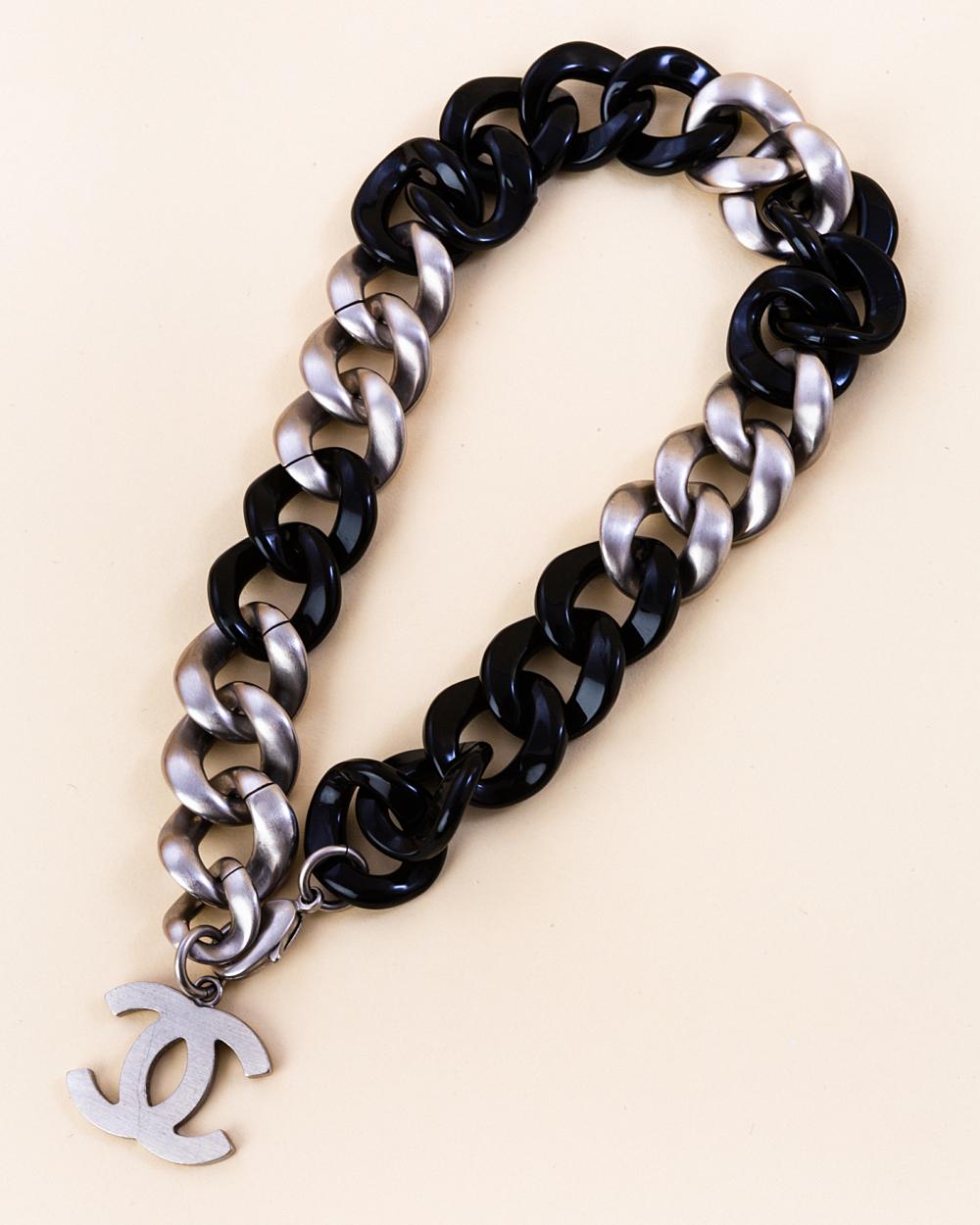 Chanel curb chain