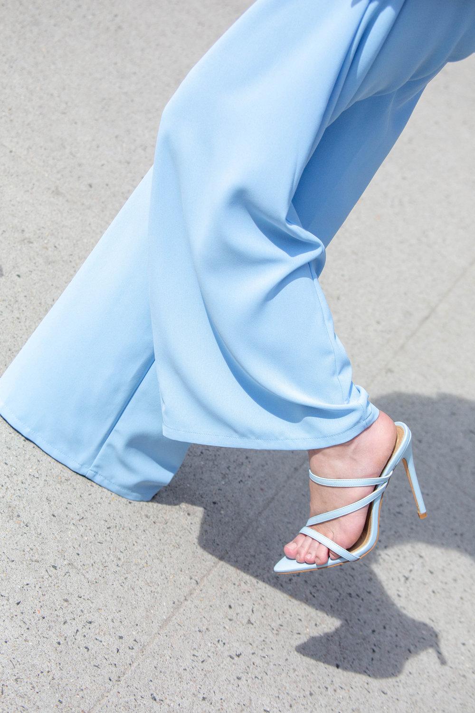 Blue spring shoe