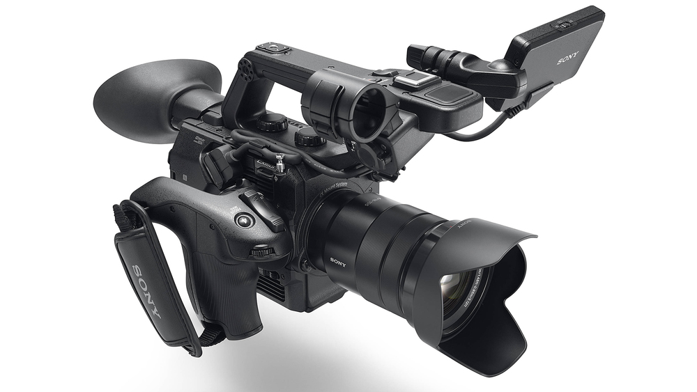 https://www.cinema5d.com/previously-announced-2-0-firmware-for-sony-fs5-is-now-available/
