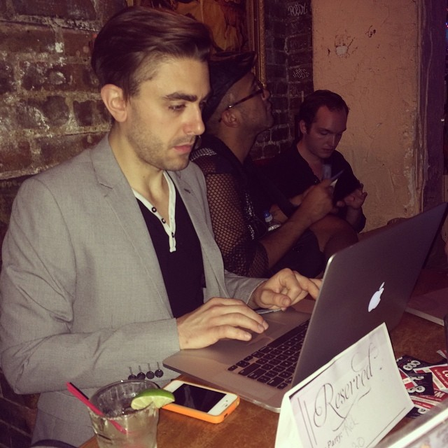 Director @ricktheflynn working hard up until the very last moments of the #golfalphayankee #kickstarter campaign! #169bar #nyc #crowdfunding #fundraising #lgbt #lgbtiq #indiedoc #indiefilm #supportindiefilm #documentary #humanrights #iran #middleeast #lgbtrights