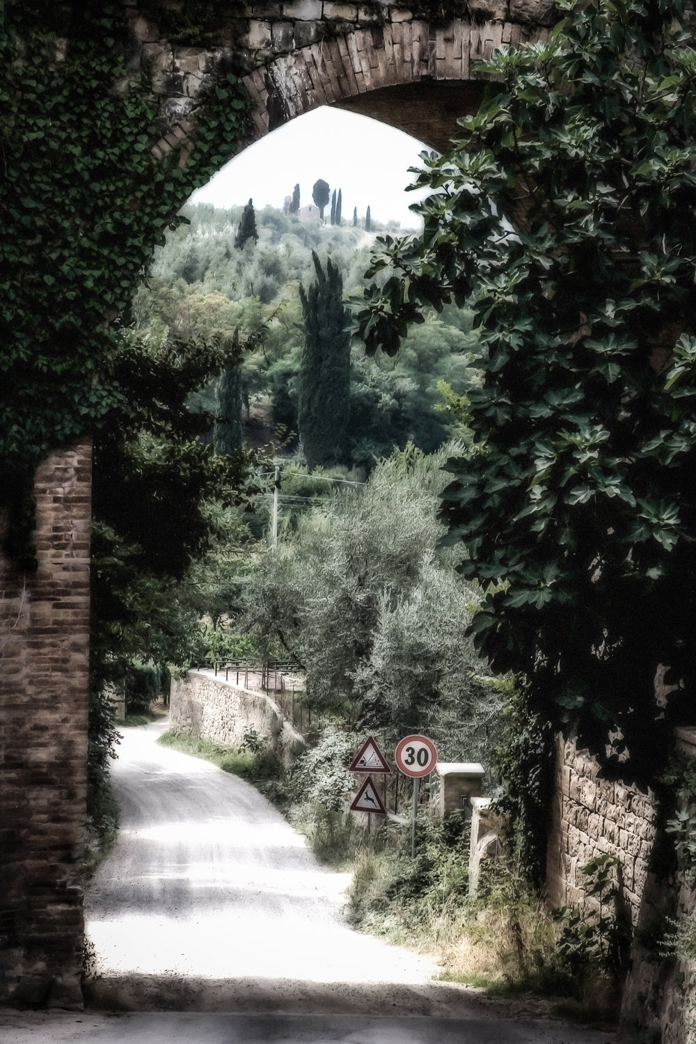 Road to Somewhere_Italy_J2048x3072-48328-R.jpg