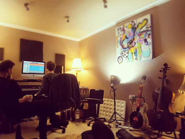 In full swing recording with @signemusicno and @guillemmitchel at @ninevoltleap studios. Sounding great!  #sessionmusician #studiorecording #doublebass #markbass #bassguitar