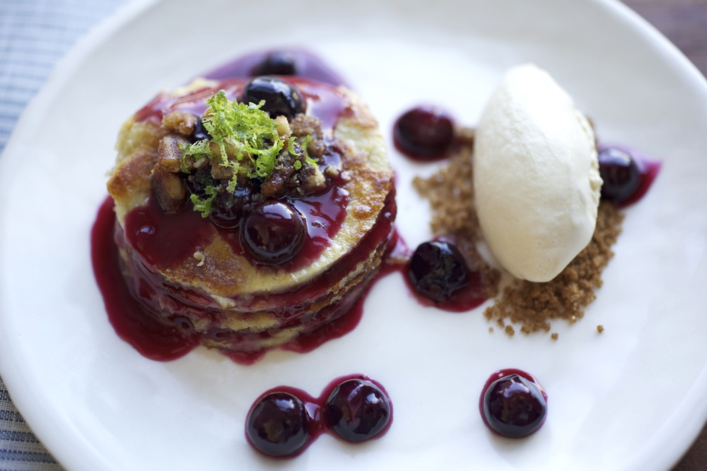 "Blueberry ""pancakes"" & maple syrup ice cream"