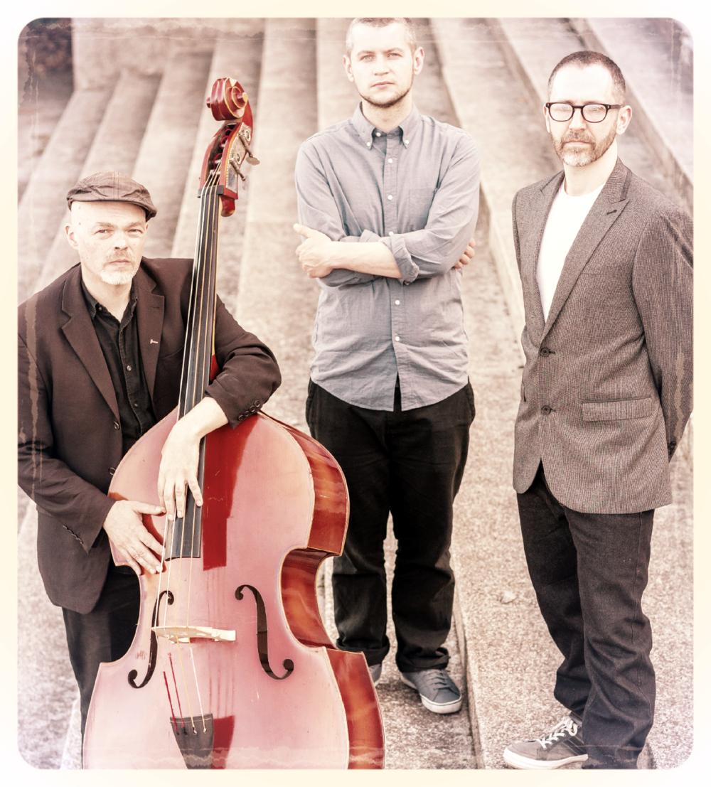Trio Kahout.png