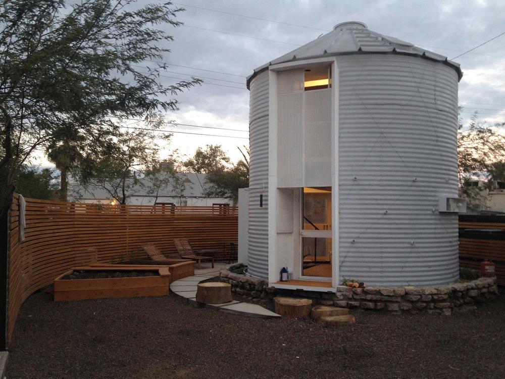 silo house christoph kaiser. Black Bedroom Furniture Sets. Home Design Ideas