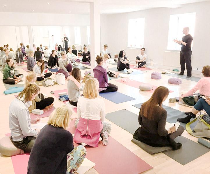 Yin Yoga Workshop - Rosenheim.jpg