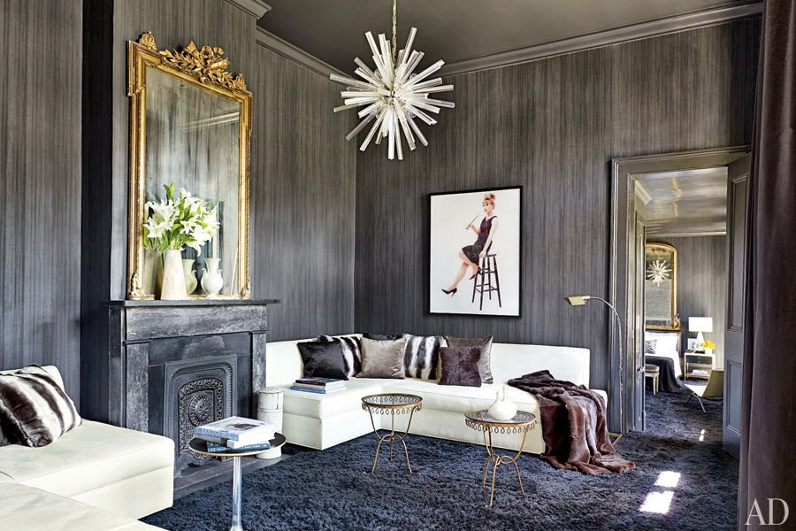blacka+nd+thite+deocr,+murano-glass+chandelier.jpg