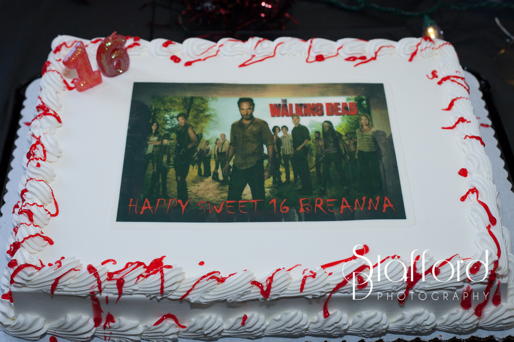 What a great cake it was perfect. It almost didn't make it to the party though. When Carmen went to pick it up she had a guy trying to buy it from her cause he loves The Walking Dead. Of course she told him no lol.