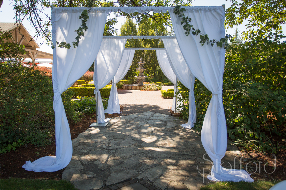 Village Green Resort  is a Beautiful venue in Cottage Grove Or to get married.
