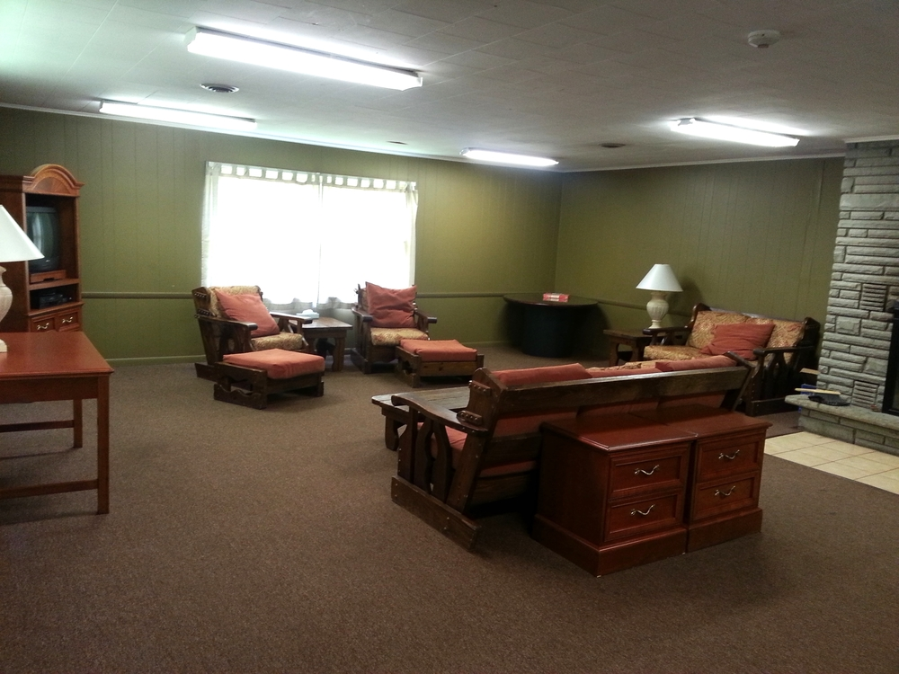 Retreat Center Meeting Room (Seats 24)