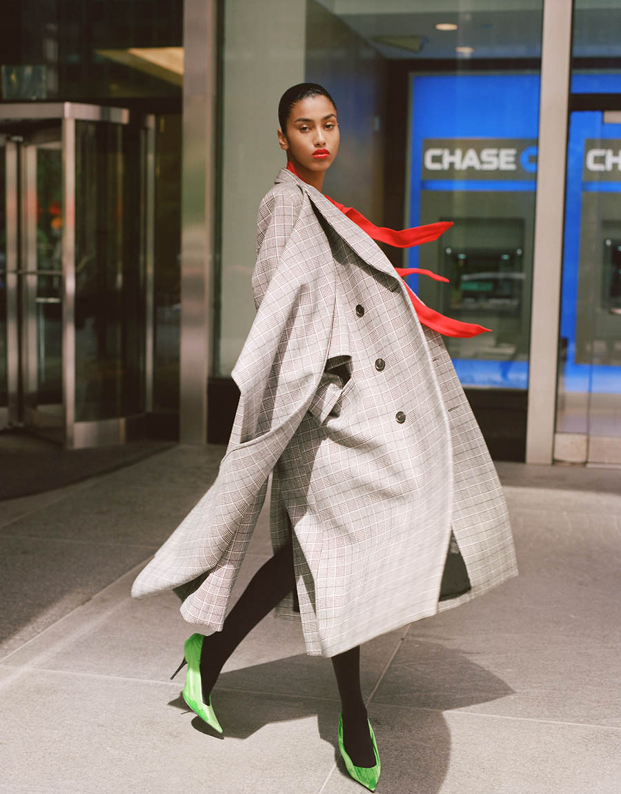 Imaan-Hammam-by-Theo-Wenner-for-Self-Service-Magazine-Fall-Winter-2017-15.jpg