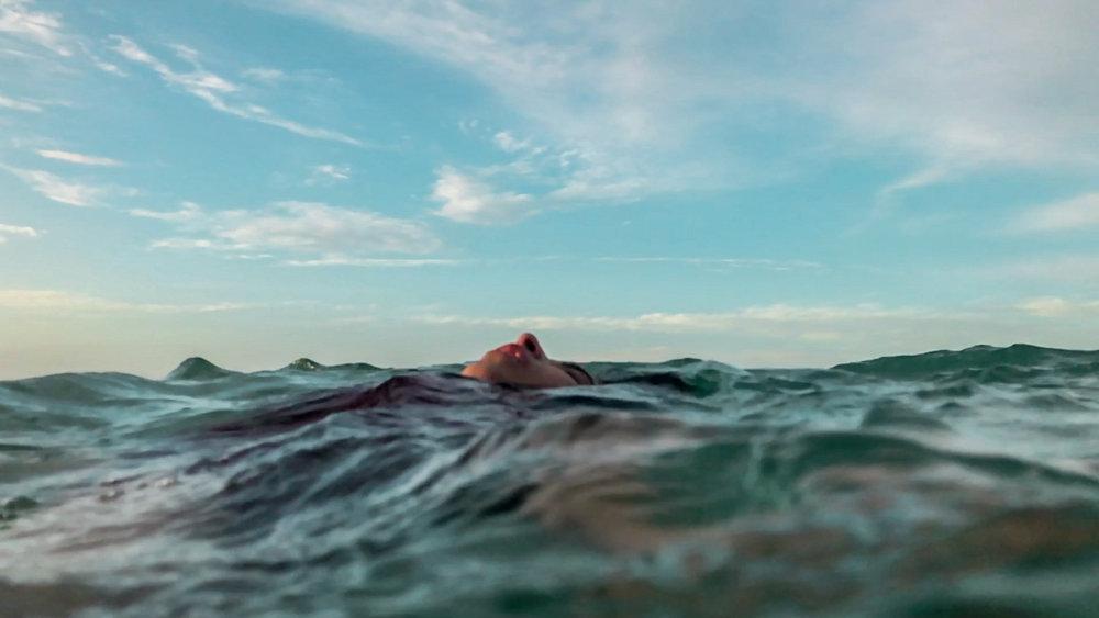 Escena Ocean iPhone.00_12_48_09.Still006.jpg
