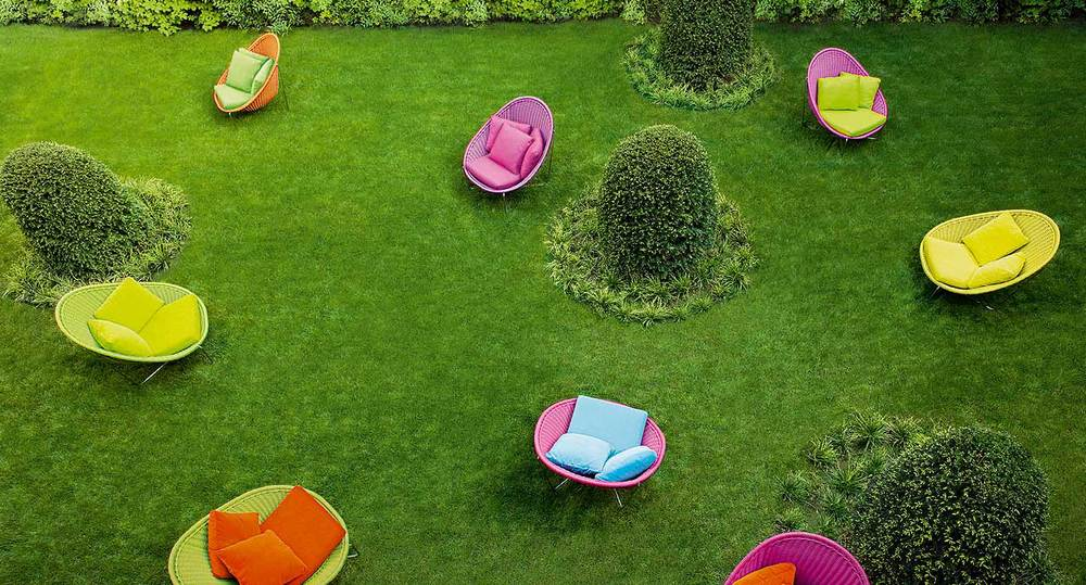 Nido lounge chair outdoor west out east for Giardino 54 nyc