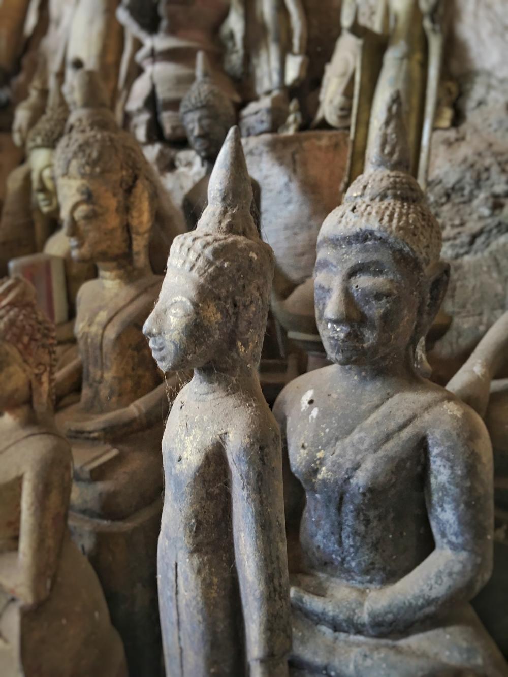 Buddha caves statues