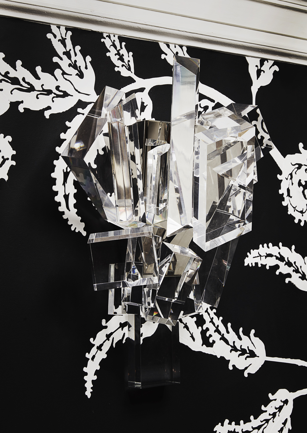Ice crystal sconce by William Haines at 2017 Kips Bay Decorator Show House | Savage Interior Design