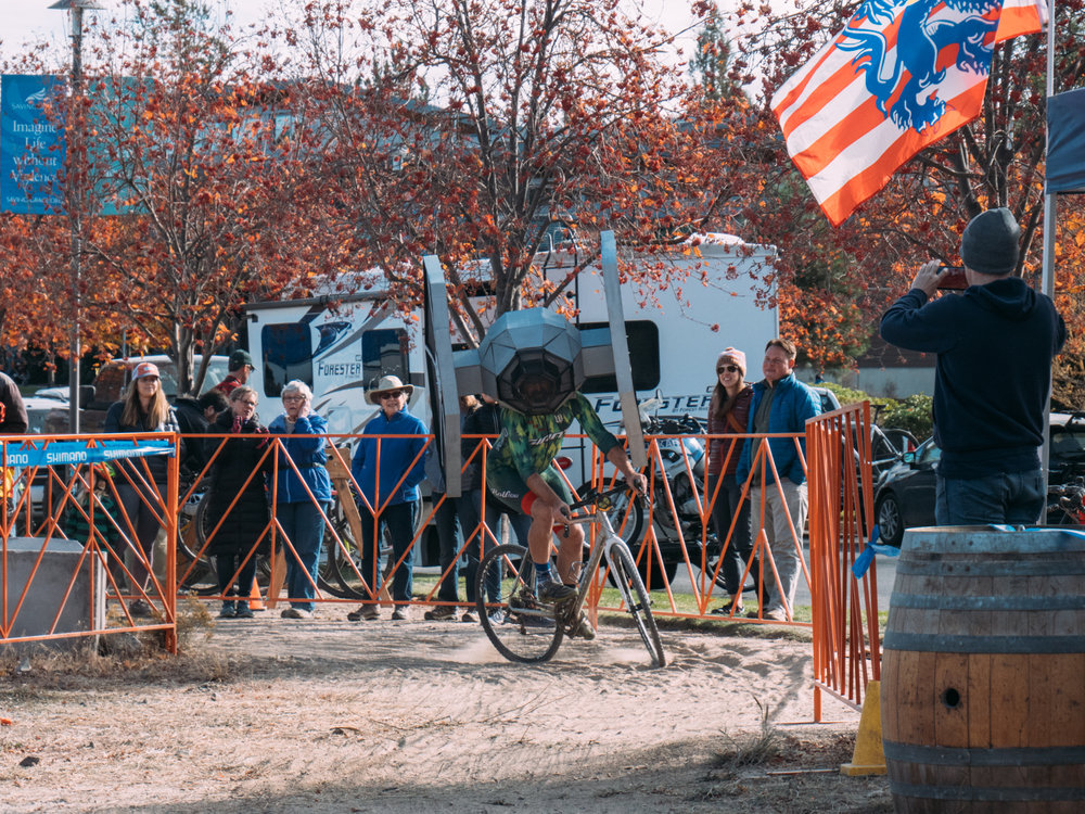 Cyclocross18_CCCX-Bend-Day2-28-fransencomesalive-2.jpg