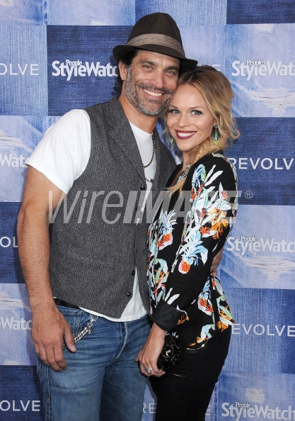 455698498-actor-johnathon-schaech-and-wife-julie-solomon-wireimage.jpg