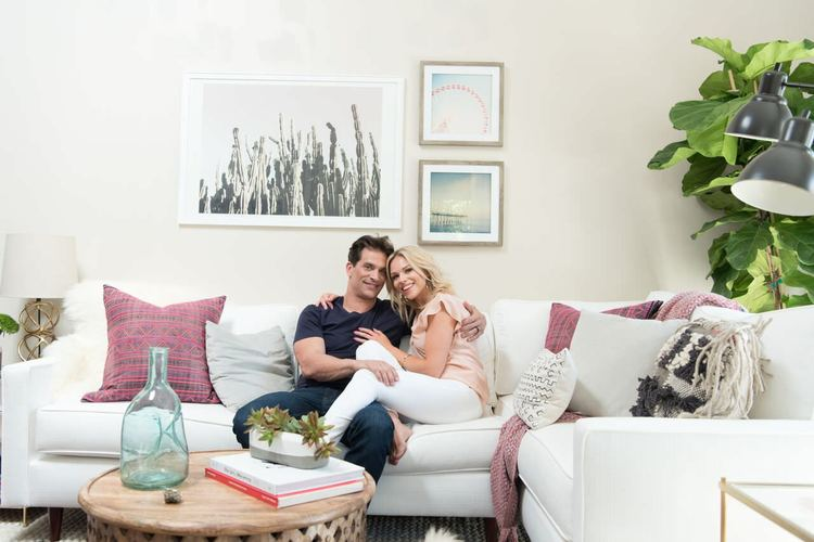 julie-solomon-world-market-johnathon-schaech-home-makeover-decorist-white-couch.jpg