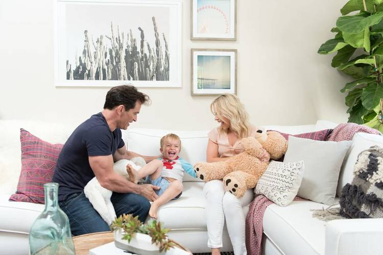 julie-solomon-world-market-johnathon-schaech-home-makeover-decorist-family.jpg