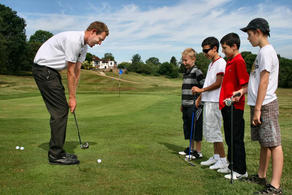 addington-court-golfmark-accreditation-alexmacgregor-pga-professional-coaching-children.jpg