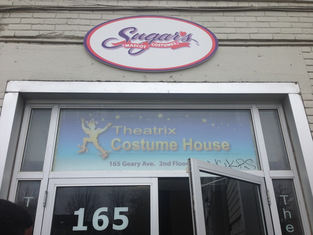 To have a look at more of their costumes visit their site at:  http://www.theatrixcostumehouse.com/