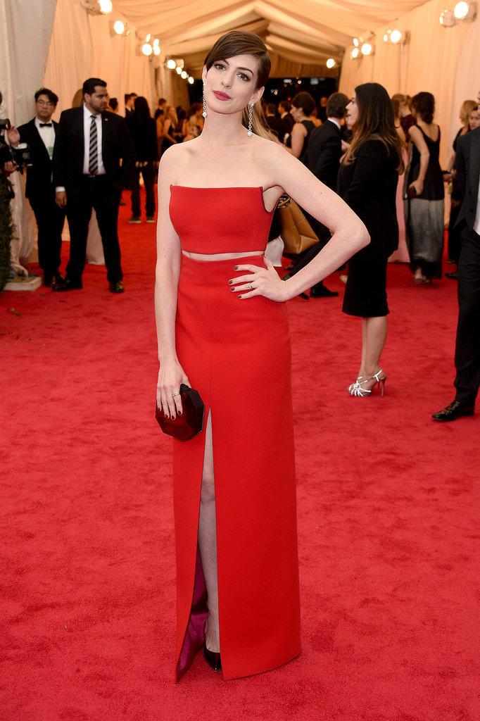 Anne-Hathaway-Met-Gala-2014.jpg