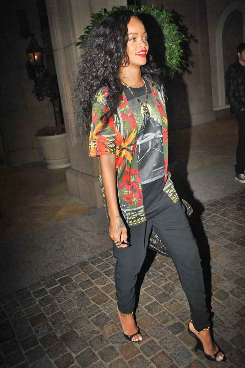 Rihannas Clothes amp Outfits  Steal Her Style