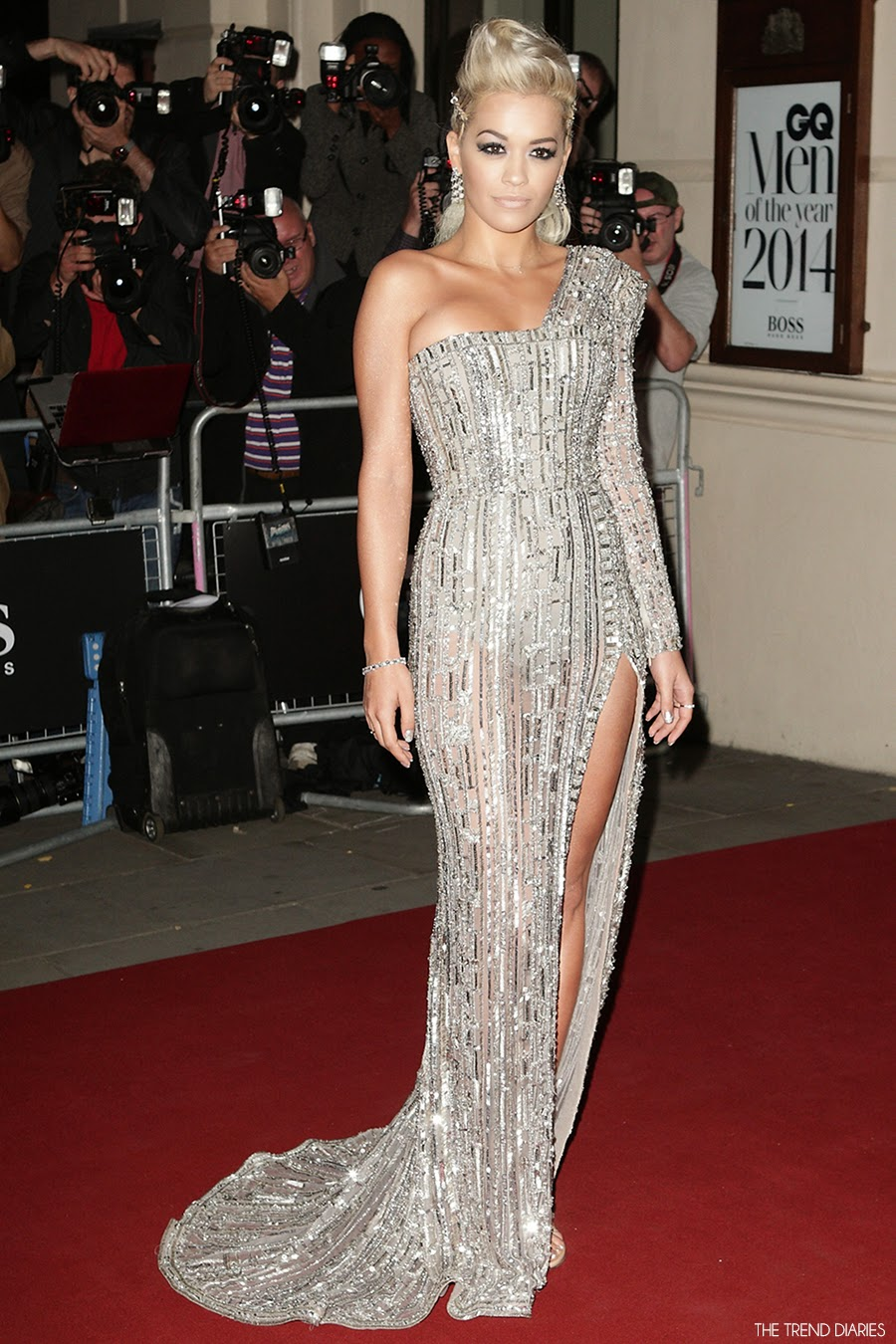 rita-ora-red-carpet-2014-gq-men-of-the-year-awards-in-zuhair-murad-couture-fall-2014-sequin-one-shoulder-thigh-slit-gown-celebrity-style-fashion.jpg