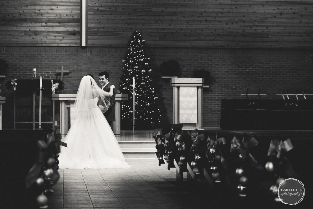 MN.Wedding.Winter.Photography-12.jpg