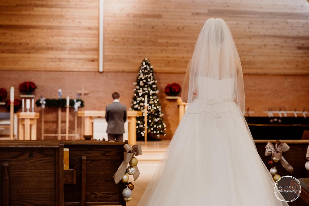 MN.Wedding.Winter.Photography-10.jpg