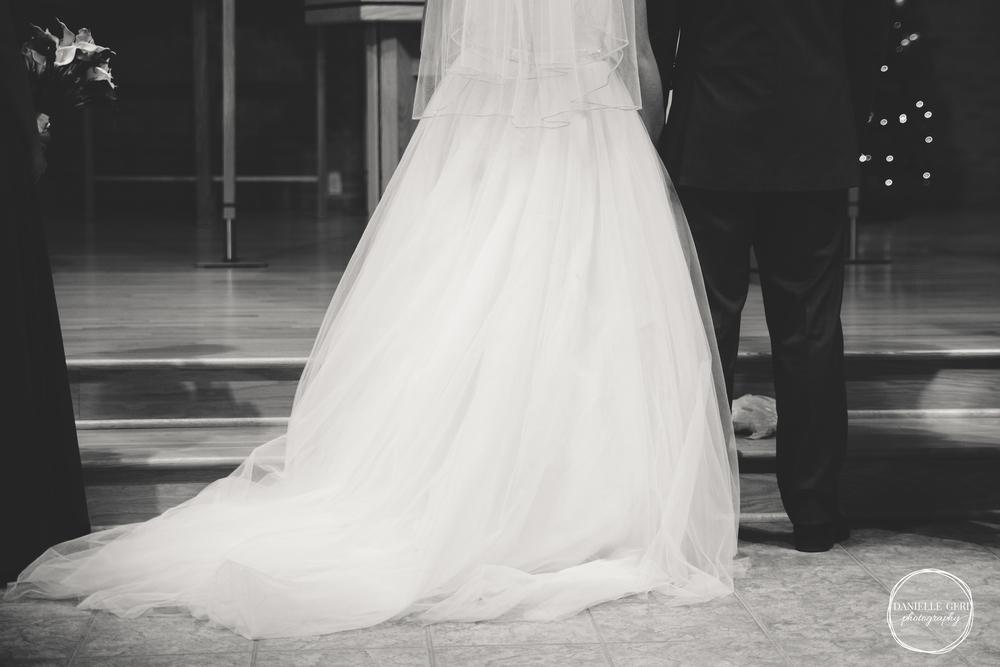 MN.Wedding.Winter.Photography-30.jpg