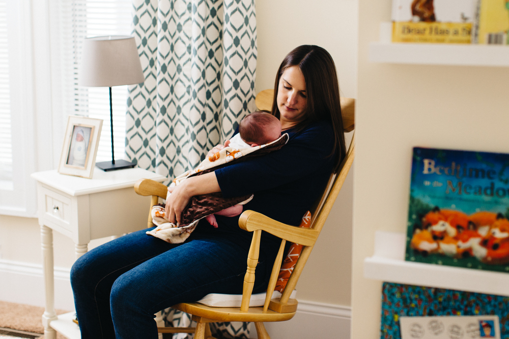 Minneapolis, MN Lifestyle Newborn Photography by Danielle Geri Photography