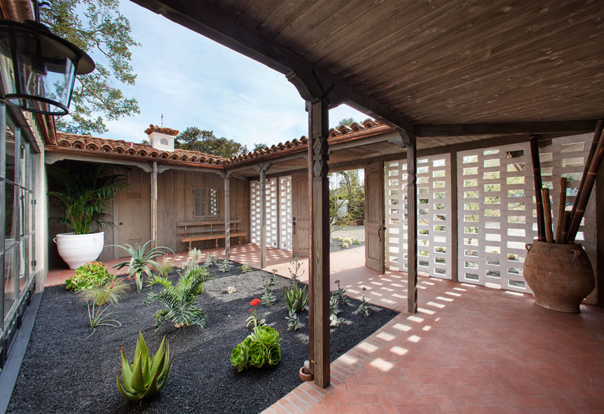 770ViaManana_Courtyard