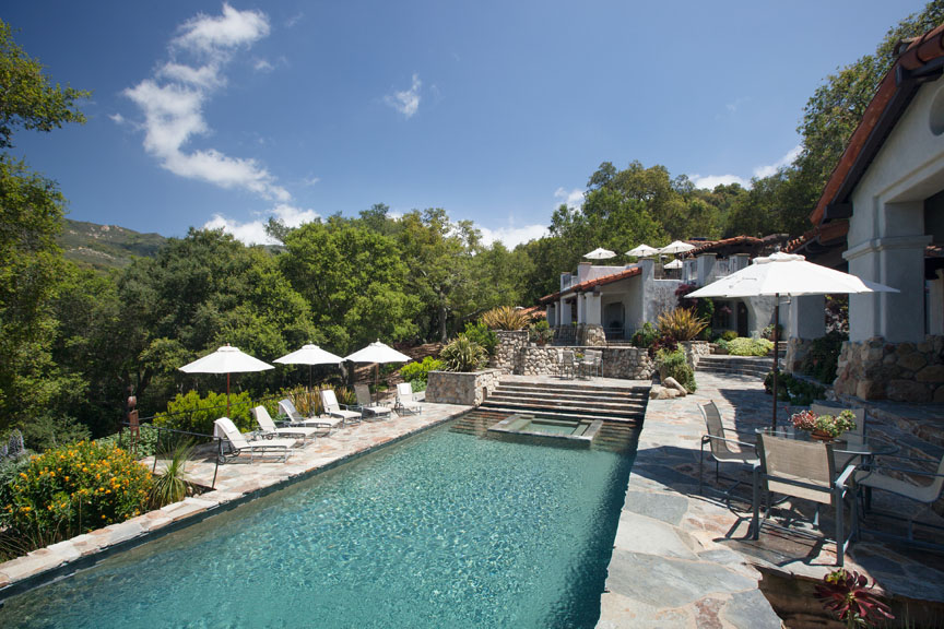 The pool and patio at Santa Barbara's Deer Lodge!
