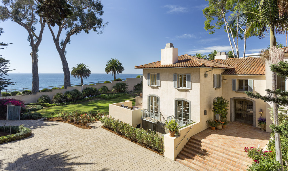 Beachside Montecito Villa - $13,900,000