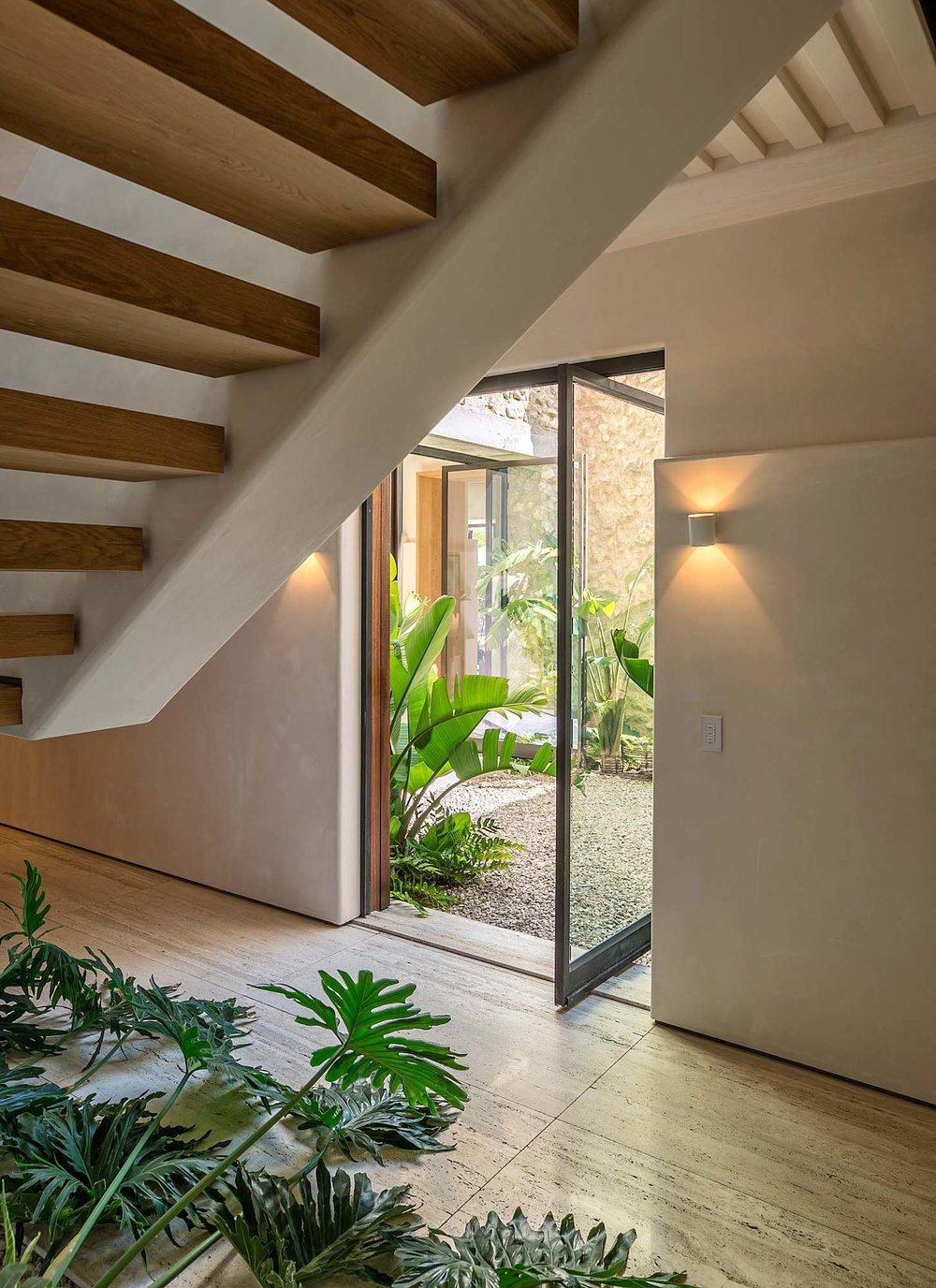 4160LaLadera_stairs.jpg