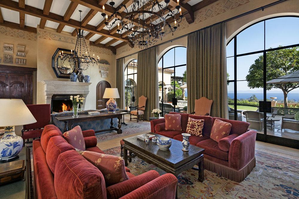 1590 E. Mountain Living Room