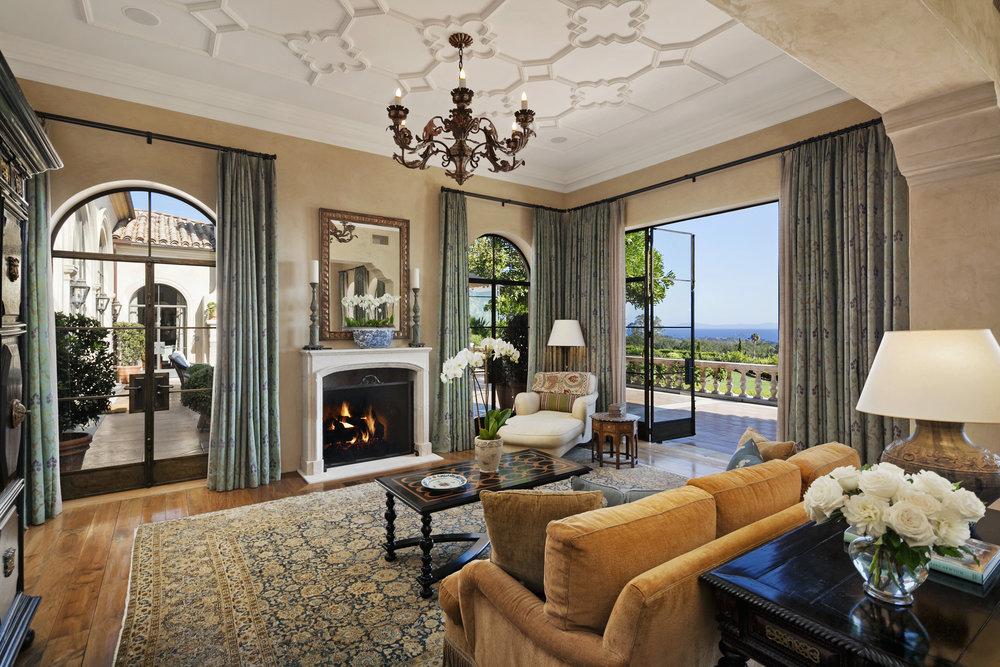 1590 E. Mountain Master Suite Sitting Area