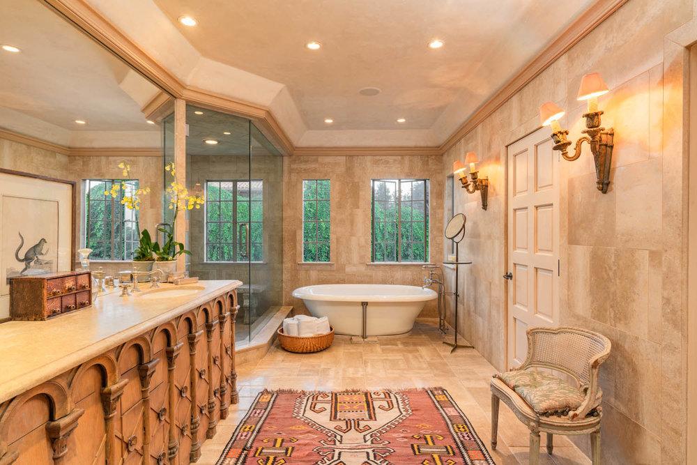 808 San Ysidro Lane Master bath