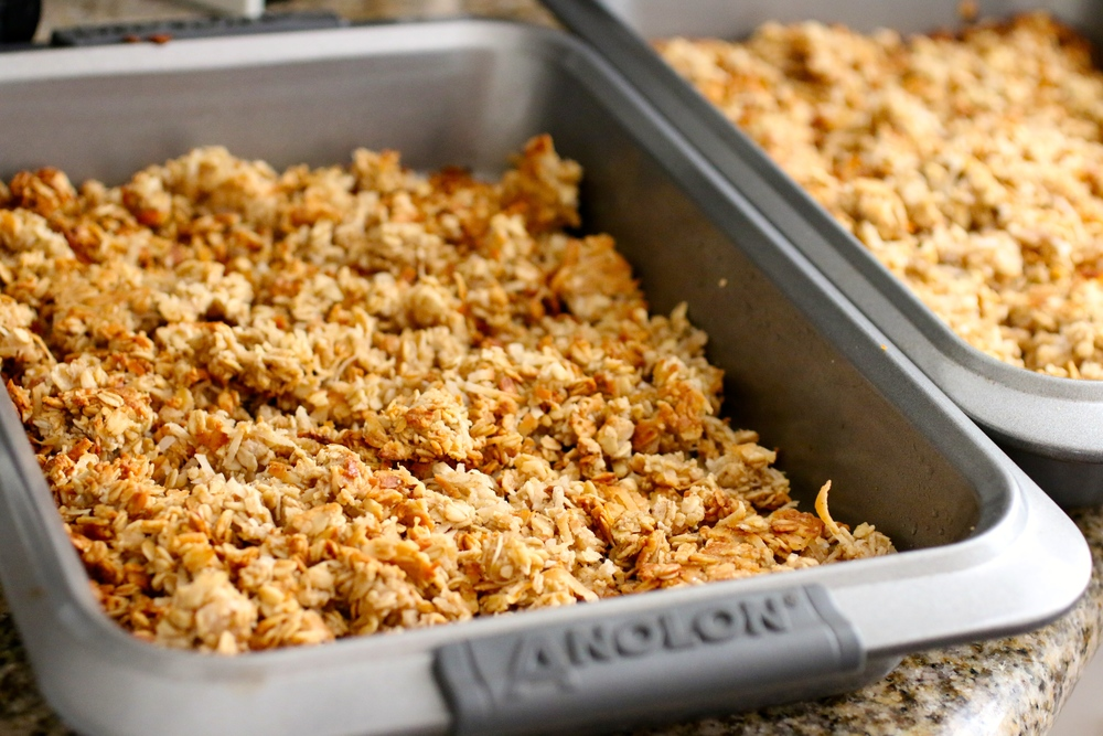 The Best Gluten Free Granola - www.barbellsandbaking.com