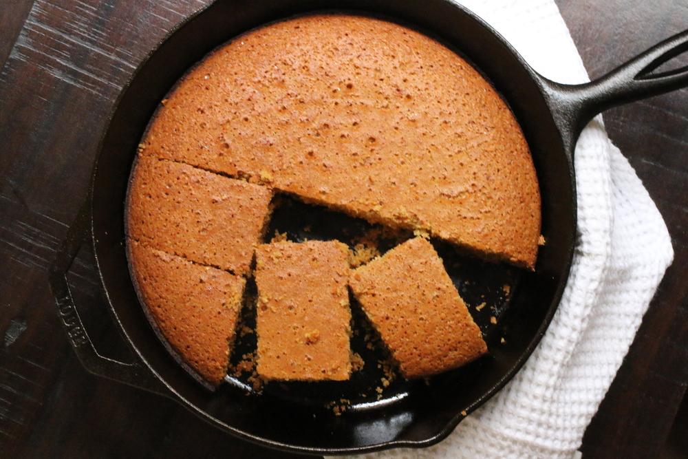 Johnny Cake (Delicious Gluten & Dairy Free Cornbread Pancake) | www.barbellsandbaking.com