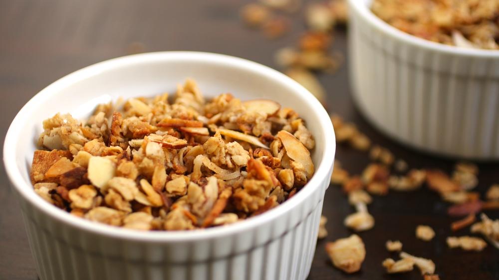 Gluten Free Granola Goodness | www.barbellsandbaking.com