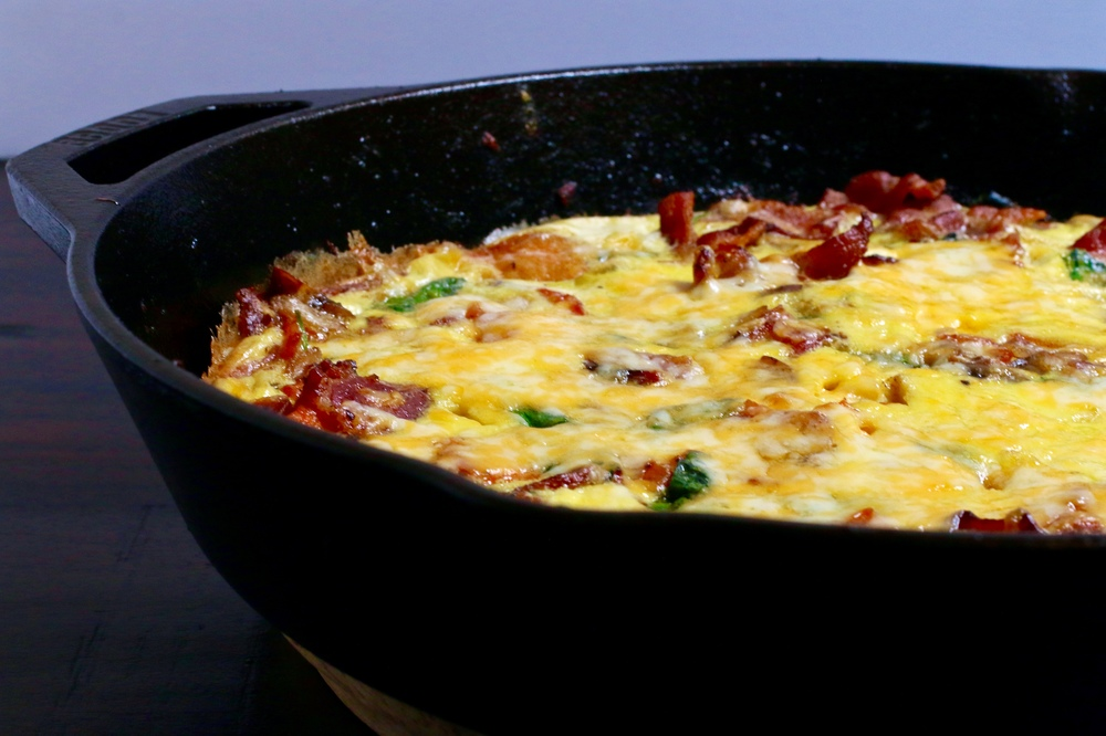 Bacon, Spinach, & Sweet Potato Frittata | An easy and balanced breakfast dish that is healthy and amazingly delicious! | www.barbellsandbaking.com