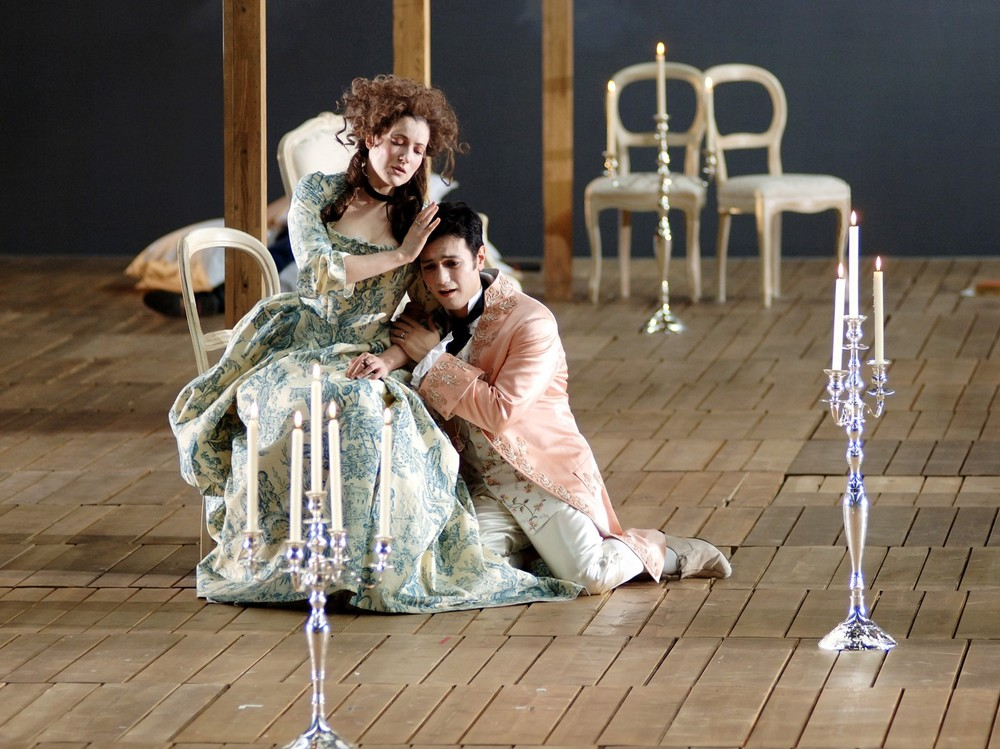 Don Polidoro in  La finta semplice  (Mozart) at Oper Frankfurt with Alexandra Lubchansky, soprano (photo credit: Monika Rittershaus)