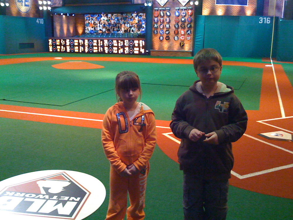 Kids at MLB Network 37.JPG