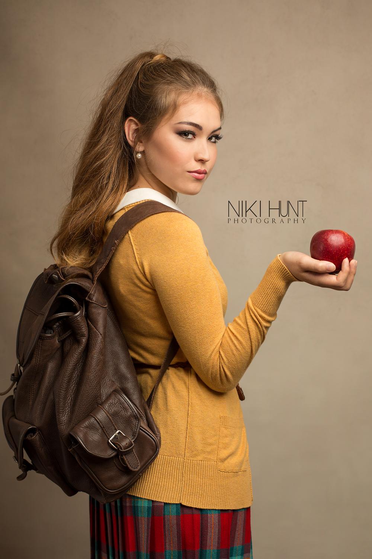 Naomi WEB_10.png