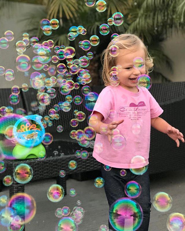 Friday night bubble happy hour #wrensworld