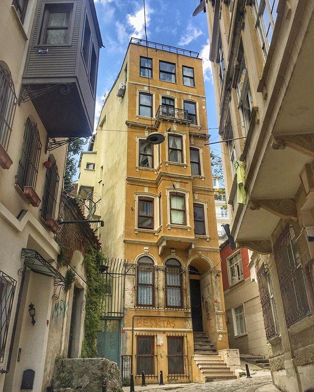 Walking around Beyoglu, Istanbul #iPhone